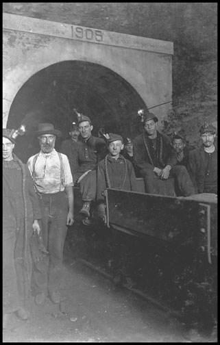Mine Main Entrance - Gary West Virginia - 1908